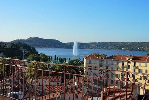 Etang de l'Olivier avec votre taxi à Istres